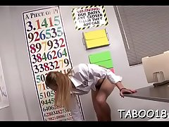 Sexy tow-headed lawful time eon teenager on her knees gving a lengthy enthusiatic head