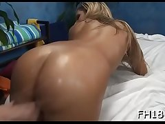 Chick performs orall-service and gets banged in doggy style