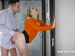 Private.com - Mia Malkova fucks in the hallway