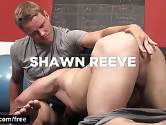 Hot studs Jeremy Spreadums with Shawn Reeve fuck at the gym - Bromo