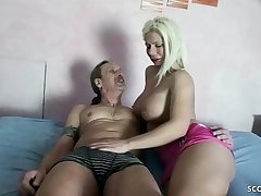 GERMAN MOTHER - 24cm SCHWANZ USER FICKT MILF AMATEURIN OHNE KONDOM